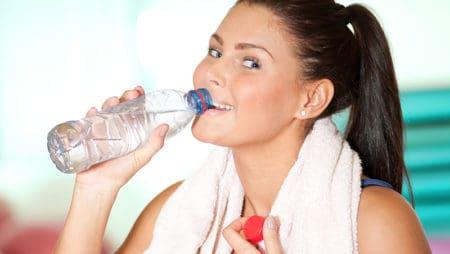 Отслабване с вода – хидратация срещу излишните килограми